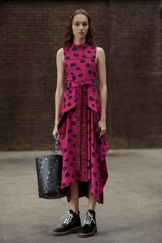 See the complete Proenza Schouler Pre-Fall 2017 collection.
