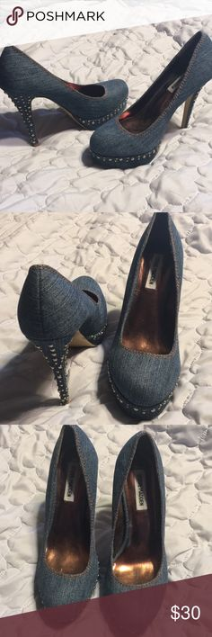 "Steve Madden 4 "" heels denim. 8M Only worn indoors. Like new condition. Tiny chip on inside back of heel not noticeable, from being in closet. 8M. See pics for details. Steve Madden Shoes Heels"