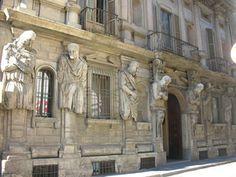 Casa degli Omenoni. Milano.
