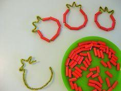 רימון השחלה משפחתון חוויות קטנות Diy Home Crafts, Fall Crafts, Holiday Crafts, Projects For Kids, Crafts For Kids, Arts And Crafts, Rosh Hashanah Cards, Jewish Crafts, Hebrew School