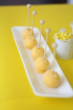 wooden cake pop sticks (I'm adding these to my options asap)! Yellow Cake Pops, Miss Cake, Yellow Foods, Yellow Desserts, Colorful Desserts, Cake Pop Sticks, Lollipop Sticks, Wooden Cake, Cookie Pops