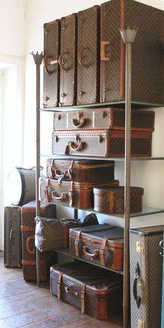 2019 New Louis Vuitton Handbags Collection for Women Fashion Bags have it Vintage Suitcases, Vintage Luggage, Vintage Louis Vuitton Luggage, Lv Luggage, Travel Luggage, Travel Bags, Travel Set, Beautiful Bags, Vintage Home Decor