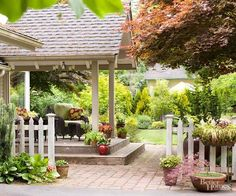 Bring the Indoors Out: Covered porches that incorporate details from the exterior and interior of the house as well as plush furniture and lighting seamlessly extend the living space of small homes Small Outdoor Spaces, Outdoor Rooms, Outdoor Gardens, Outdoor Living, Outdoor Decor, Outdoor Furniture, Building A Trellis, Building A Porch, Outdoor Retreat
