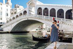 Photo shoot in Venice Italy: capture your best memories Venice Canals, Venice Italy, Rialto Bridge, Wedding Honeymoons, Most Beautiful Cities, Elope Wedding, Online Gallery, Best Memories, Photo Sessions