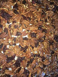 Cracked Black Pepper Maple Honey Candied Pecan-Cranberry Mix butter cinnamon cracked black pepper tsp ginger honey maple syrup cp be sugar whole pecans dried cranberries Spiced Pecans, Candied Pecans, Honey Candy, Pecan Pralines, Cracked Black Pepper, Dried Cranberries, Maple Syrup, Cinnamon, Spices