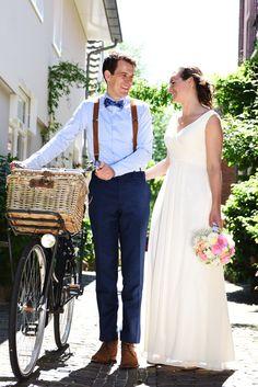 Het moest en zouden de juiste bretels zijn. Een tevreden bruidegom met zijn Hein Strijker bretels tijdens hun bruiloft. Het bruidspaar had op www.bretels.nl een afspraak gemaakt voor persoonlijk stijladvies. En het resultaat mag er wezen. #bretels #suspenders #braces #heinstrijker #dutchdandy #suits #suit #dandy #dandysyle