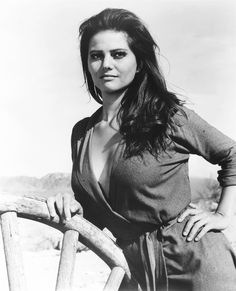 """Claudia Cardinale en """"Los Profesionales"""" (The Professionals), 1966 Claudia Cardinale, Classic Hollywood, Old Hollywood, Hollywood Stars, Non Plus Ultra, Italian Actress, Italian Beauty, Actrices Hollywood, Catherine Deneuve"""