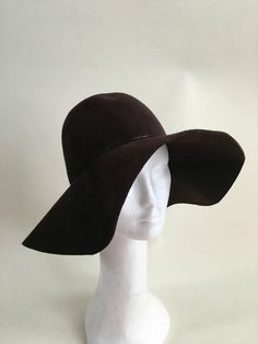 Vintage 70s wide brim Floppy Wool Felt Hat  DETAILS:  ◊ Perfect festival style  ◊ Chocolate Brown  ◊ Rounded Dome  ◊ unstructured  ◊ Brim