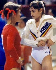 Olga Korbut y Nadia Comaneci Gymnastics Pictures, Sport Gymnastics, Artistic Gymnastics, Olympic Gymnastics, Olympic Sports, Olympic Games, Nadia Comaneci Perfect 10, Female Gymnast, Female Athletes