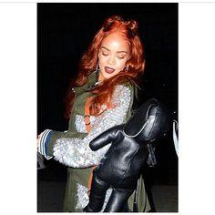 Pink Hand Guns, Bunny Bags, Video Go, Women Brands, Military Green, Rihanna, Dior, Nyc, Punk