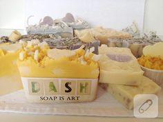 Evde sağlıklı ve organik sabun yapmak mümkün, tıpkı bu örnekteki gibi. 10marifet.org'da sabun, mum yapımı gibi farklı kendin yap işleri de var. Gelip görün.