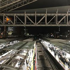 Teruyuki FujiiさんはInstagramを利用しています:「#大阪駅 #今日の平和 #PeaceForToday #today #peace #sky #osaka #japan #今日 #平和 #空 #大阪 #日本 #感謝 #より良き未来を #その先に明るい未来が想像出来るか #その先に明るい未来が創造出来るか #osakastation」