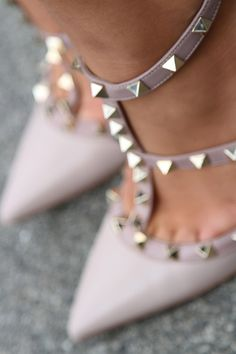 #rockstud #Valentino shoes! https://www.gebnegozionline.com/designer/valentino-garavani-donna-en-152-83/