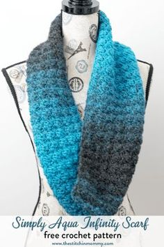 Simply Aqua Infinity Scarf - Free Crochet Pattern - Scarf of the Month Club hosted by The Stitchin' Mommy and Oombawka Design | www.thestitchinmommy.com #ScarfoftheMonthClub2017