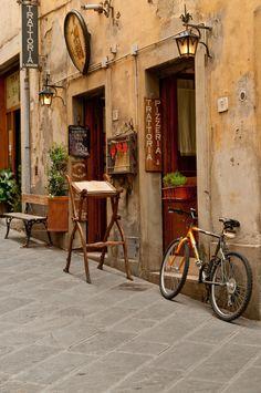 """Arezzo - Tuscany - Italy - """"Trattoria"""" - July 2010"""