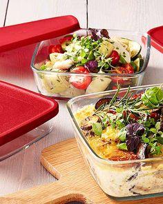 Jak se vaří v cizině: Kuchyňské pomůcky pro mezinárodní kuchyni Pasta Salad, Cobb Salad, Ethnic Recipes, Food, Crab Pasta Salad, Essen, Meals, Yemek, Eten