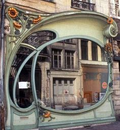 Art Nouveau - Façade 'Aux Tournesols' - 51 rue Bellegambe - Albert Pepe - Douai - 1904 Architecture Art Nouveau, Art And Architecture, Architecture Details, Art Nouveau Design, Beautiful Buildings, Belle Epoque, Palaces, The Places Youll Go, New Art