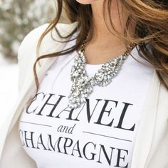 Style maven Katlyn Maupin of the Sunshine & Stilettos Blog tops off her winter whites with our Celestial Frost Statement Necklace! #lovethelook #chloeandisabel