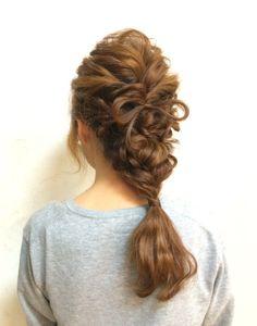 http://beauty.rakuten.co.jp/hs0260872/ 【編み込み☆ダーウンヘア(ヘアリボン)】 アップスタイルもダウンスタイルも両方したい方へ♪結婚式のお呼ばれやパーティーなど、あなたの特別な日に…☆