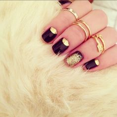 Danielle Bernstein of We Wore What paired the KDJ mid rings with her amazing mani for some New Years fun!