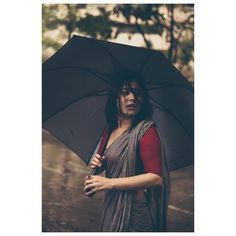 Cannot congratulate this beautiful person enough on her journey with the love of her life. Sending lot of love and light your way. Umbrella Photography, Girl Photography Poses, Creative Photography, Photoshoot Pics, Saree Photoshoot, Indian Women Painting, Indian Wedding Couple Photography, Saree Poses, Beautiful Girl Wallpaper