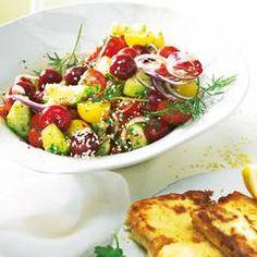 Gebratener Paprikasalat mit Schafkäse und Oliven-Grissini | BRIGITTE.de