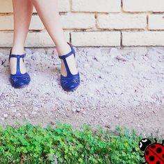 Mira que cukis las sandalias Vienna azules de @beprettybyemma en Instagram