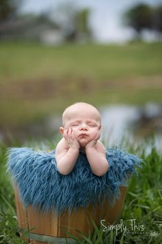 2 month picture ideas, outdoor baby photos, little boy