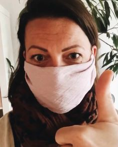 mouth-nose mask - And if it can only help to have the feeling of doing something …. More about dealing with crises - Easy Face Masks, Diy Face Mask, Sewing Dress, Nose Mask, Diy Mode, Pocket Pattern, Twiggy, Sewing Hacks, Sewing Crafts