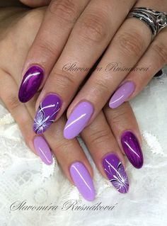 Lila Nägel Best Picture For spring nails with rhinestones For Your Taste You are looking for Purple Nail Art, Purple Nail Designs, Nail Art Designs, Nails Design, Fancy Nails, Diy Nails, Glitter Nails, Gel Manicures, French Manicures