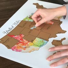 Watercolor Scratch Off Map – Travel Map – United States Map (USA) – Anniversary Gift – Been There Scratched That – Wedding Gift- Christmas – Diy Thrift Store Crafts Cute Crafts, Diy And Crafts, Arts And Crafts, Map Crafts, Summer Crafts, Art Diy, Travel Maps, Travel Journals, Usa Travel