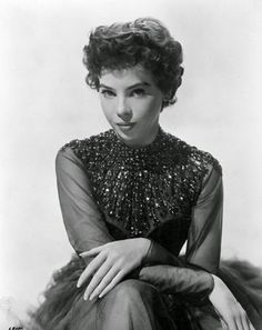 Vintage Glamour Girls: Leslie Caron