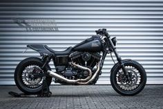 H-D Dyna Street Bob FXD-R by RRC 01 #harleydavidsondynawide #harleydavidsondynabagger #harleydavidsondynamodels #harleydavidsondynastreetbob #harleydavidsondynalowrider #harleydavidsondynabobber Harley Davidson Dyna, Harley Dyna, Harley Davidson Motorcycles, American Motorcycles, Old Motorcycles, Street Bob, Dyna Low Rider, Motorcycle Garage, Old Bikes