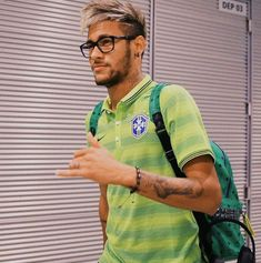 Neymar 11, Neymar Brazil, Dani Alves, Hair Styles 2014, World Cup, Cute Pictures, Challenges, Football, Mens Tops
