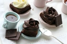 CAN YOU BELIEVE IT........After Eight Brownies.  Uhu.... I should try it later.    Pls use google Translate to read the page