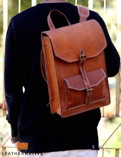 Designed with high-end goat leather material and featuring a fashionable and durable frame, our retro rucksack will become your essential companion in your day-to-day life. Leather Backpack Pattern, Best Leather Backpack, Vintage Leather Backpack, Leather Backpacks, Small Leather Bag, Leather Bags, Leather Craft, Handmade Leather, Leather Wallet