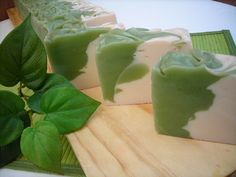 EVERGREEN   Spicy sweet blend of French verbena & lemon, green Florentine iris, violet leaves, Mysore sandalwood & ambergris