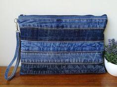 Denim clutch bag x jeans wristlet purse Diy Bags Jeans, Denim Clutch Bags, Denim Bag, Blue Jean Purses, Popular Handbags, Denim Crafts, Diy Handbag, Patchwork Bags, Fabric Bags