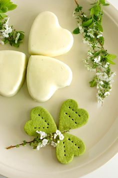 Easy Irish Mint cheesecakes. (Such a pretty picture.)