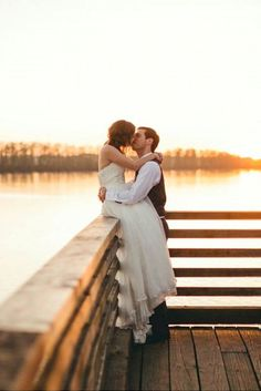 outdoor photo ideas for bride and groom 2