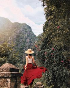 Sensing the mystical magic of Ninh Binh verdant landscapes with these top 8 must-see destinations. Also the best time to visit Ninh Binh and how to arrive this ancient land will be mentioned. Vietnam Vacation, Vietnam Travel, Lightroom, Sexy, Clothes, Instagram, Wanderlust, Dreams, Skirts