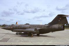 F104G - Et sæde fire tanke. Første gang jeg ser det :-)  troede kun det var tosædet f-104D der fløj med fire tanke i Danmark.
