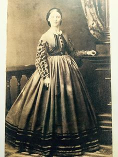 fun sleeves Civil War Dress, 19th Century Fashion, War Image, Old Images, Original Image, Vintage Photos, Journals, Vintage Fashion, Paintings