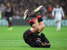 Bayer Leverkusen 'looking to sell striker Javier Hernandez'