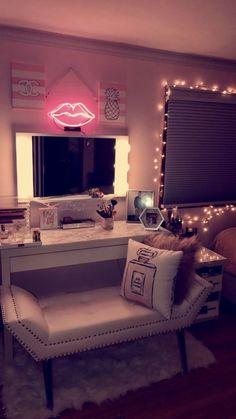 My vanity is done! beautifull rooms room decor, vanity room og makeup r Dream Rooms, Dream Bedroom, Girls Bedroom, Bedroom Decor, Bedroom Ideas, Cozy Bedroom, Bedroom Inspo, Bedroom Wall, My New Room