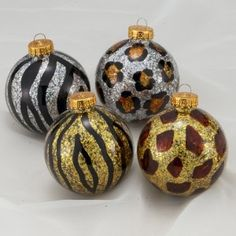 awww lets make these for christmas it matches our balls!