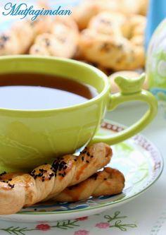 Mahlepli Peynirli Tuzlu Kurabiye- Savory pastries with mahlep from mutfagimdan.com