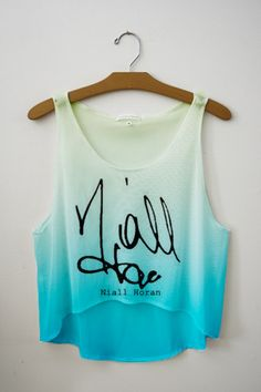 One Direction - Niall Horan I Need this shirt...