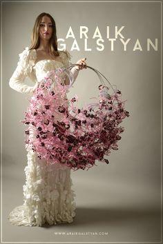 Hand Flowers, Bridal Flowers, Flower Installation, Alternative Bouquet, Balloon Flowers, Floral Artwork, Arte Floral, Bride Bouquets, Flower Designs
