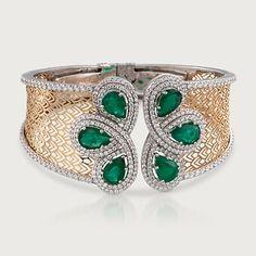 Emerald Jewelry, Diamond Jewelry, Gold Jewelry, Jewelery, Jewelry Accessories, Diamond Necklace Set, Diamond Bangle, Gold Bangles Design, Bracelet Designs